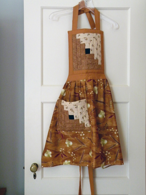 Beautiful Amish-made Apron from Lancaster County, PA.