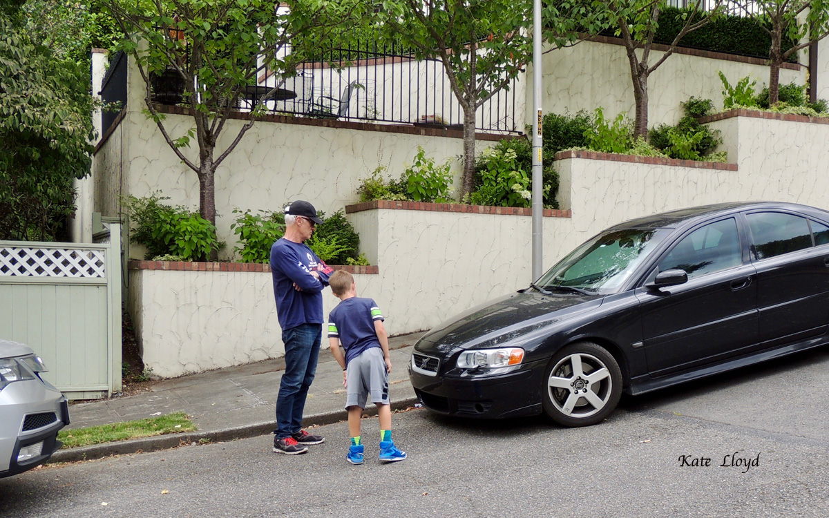 My husband and grandson went off on foot in search of cool cars. I didn't see them stop to look at flowers once.